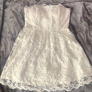 White Dress (Tiana B.) Sz. 7/8